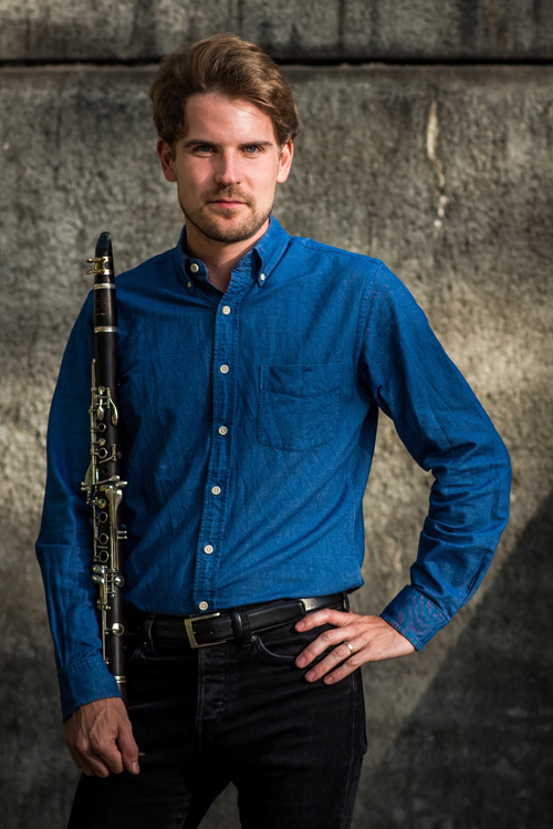 99cc3b353f5 French-American clarinetist JOHNNY TEYSSIER is the principal clarinet of  the Danish National Symphony. He has previously held the principal clarinet  ...